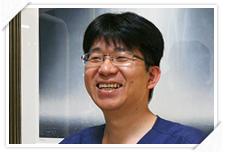 院長?歯学博士 松浦宏昭